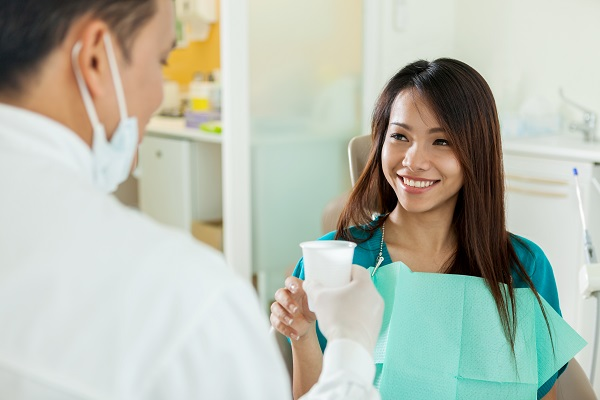A Family Dentist In Culver City Answers: Should I Use Mouthwash?